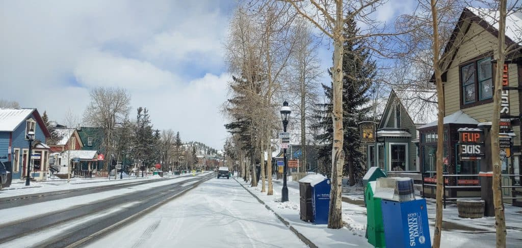 Breckenridge main street completely empty during the pandemic
